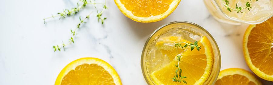 Sinassappel en tijm water